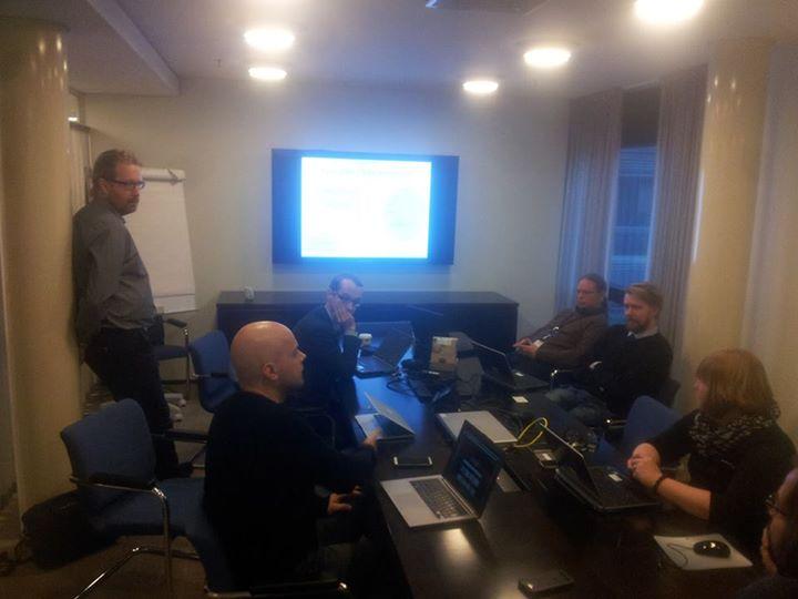 Keskustelu Eduskunnassa avoimesta datasta 18.12. 2014. Kuva: Joonas Pekkanen.